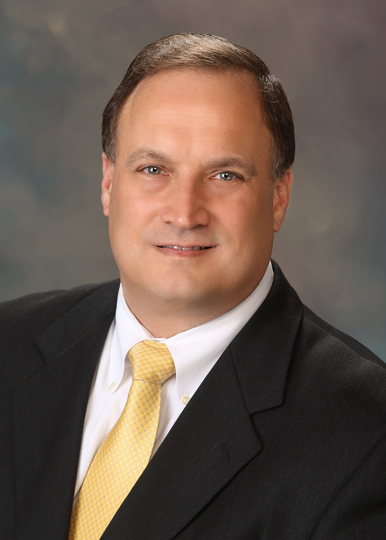 Gregg Mielke. His practice areas are; Business Services, Employment, and Real Estate
